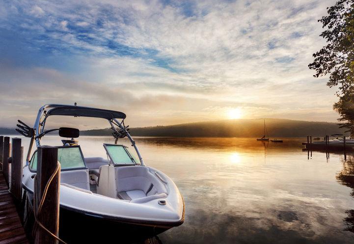 Mariner's Pier Towns- Boat